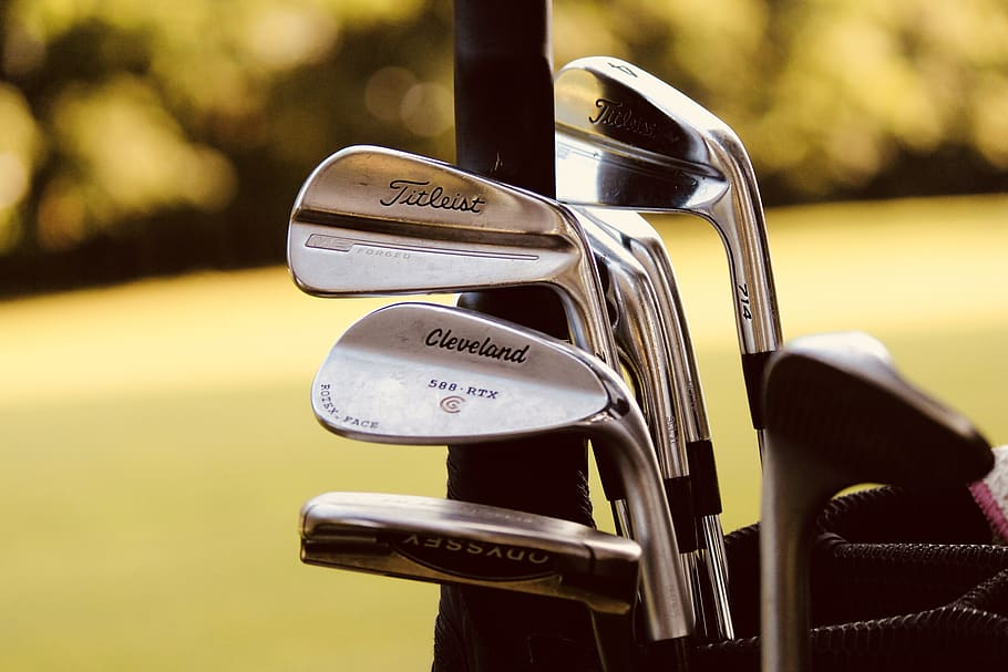 blade irons vs cavity back - best golf irons to use